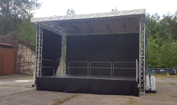 Bühne mieten & vermieten - 6x4m Bühne Open Air Bühne, Giebeldachbühne, Eventbühne, Showbühne, Mobil Bühne, Rundbogenbühne, Bühnendach in Wismar