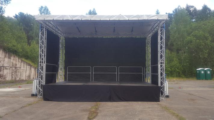Bühne mieten & vermieten - 8x6m Bühne Open Air Bühne, Giebeldachbühne, Eventbühne, Showbühne, Mobil Bühne, Rundbogenbühne, Bühnendach in Wismar