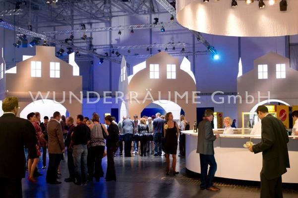 Kulissen mieten & vermieten - Reihenhaus (3er) - WUNDERRÄUME GmbH vermietet: Dekoration/Kulisse für Event, Messe, Veranstaltung, Incentive, Mitarbeiterfest, Firmenjubiläum in Lichtenstein/Sachsen