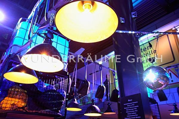 Antik & Rustikal mieten & vermieten - Baulampe - Industrielampe - WUNDERRÄUME GmbH vermietet: Dekoration/Kulisse für Event, Messe, Veranstaltung, Incentive, Mitarbeiterfest, Firmenjubiläum in Lichtenstein/Sachsen