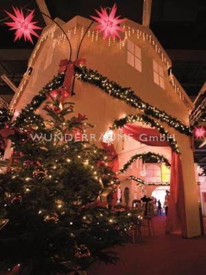 Weihnachtsdekoration mieten & vermieten - beleuchtetete Tannengirlanden - WUNDERRÄUME GmbH vermietet: Dekoration/Kulisse für Event, Messe, Veranstaltung, Incentive, Mitarbeiterfest, Firmenjubiläum in Lichtenstein/Sachsen