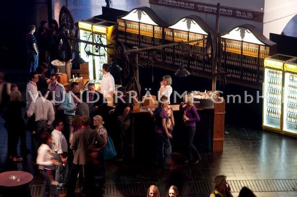 Antik & Rustikal mieten & vermieten - rustikale Bar - WUNDERRÄUME GmbH vermietet: Dekoration/Kulisse für Event, Messe, Veranstaltung, Incentive, Mitarbeiterfest, Firmenjubiläum in Lichtenstein/Sachsen