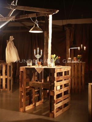 Antik & Rustikal mieten & vermieten - Lounge rustikal - WUNDERRÄUME GmbH vermietet: Dekoration/Kulisse für Event, Messe, Veranstaltung, Incentive, Mitarbeiterfest, Firmenjubiläum in Lichtenstein/Sachsen