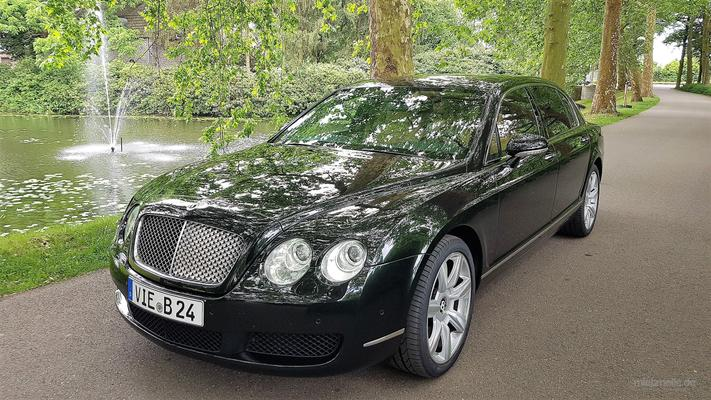 bentley flying spur mit chauffeur mieten 119 00 eur pro stunde. Black Bedroom Furniture Sets. Home Design Ideas