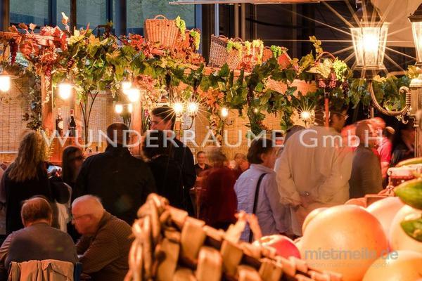 Saisonale Dekoration mieten & vermieten - Weindorf - WUNDERRÄUME GmbH vermietet: Dekoration/Kulisse für Event, Messe, Veranstaltung, Incentive, Mitarbeiterfest, Firmenjubiläum in Lichtenstein/Sachsen