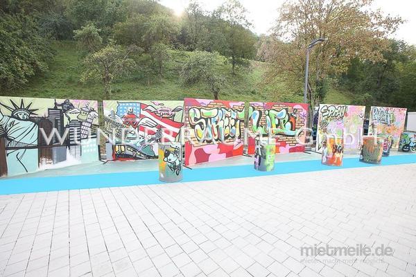 Kulissen mieten & vermieten - Graffiti-Wand - WUNDERRÄUME GmbH vermietet: Dekoration/Kulisse für Event, Messe, Veranstaltung, Incentive, Mitarbeiterfest, Firmenjubiläum in Lichtenstein/Sachsen