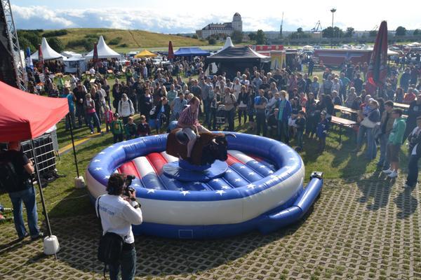 Bullriding mieten & vermieten - Rodeo-Bull-Riding in Hoyerswerda