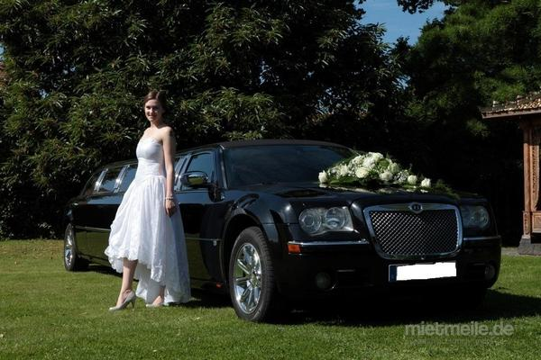 Limousinen mieten & vermieten - Chrysler 300c Hemi in schwarz oder cool Vanilla in Isernhagen