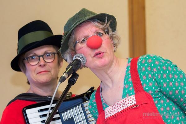 Bands mieten & vermieten - Musikcomedy: Clownerie und Akkordeon in Ludwigsburg