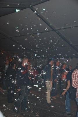 Seifenblasenmaschine mieten & vermieten - INKL.VERSAND Seifenblasenmaschine, Seifenblasenparty, Seifenblasenkanone inkl.Versand, Rückholung und 19% MwSt. in Münnerstadt