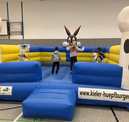 Hüpfburg mieten & vermieten - Hüpfburg BugsBunny in XXL günstig mieten in Kiel in Kiel