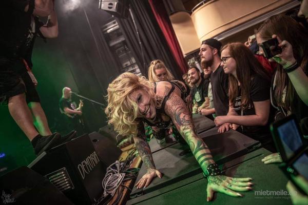 Stripperin mieten & vermieten - ***Stripperin MELODY AURORA *** -  Stripshows, Burlesque mit Champagnerglas, Feuershow in Erfurt