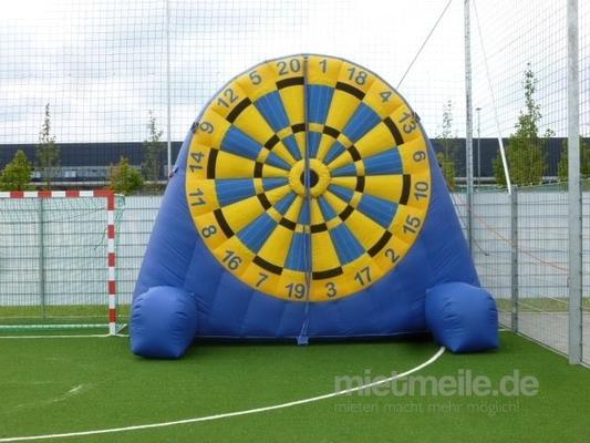 Fußball-Dart mieten & vermieten - Fußballdart München Riesendart Klettfußballscheibe in Moosinning