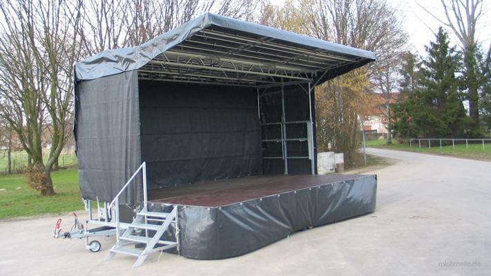 Bühne mieten & vermieten - Mobile Bühne 6,8m x 4,4m (30m²) - Stagemobil Trailerbühne in Heilbronn