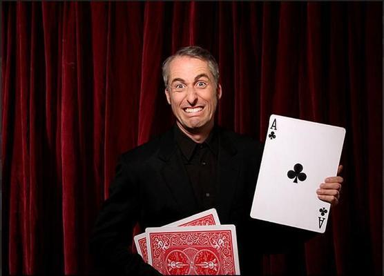 Magier & Zauberer mieten & vermieten - Zauberer/ Zauberkünstler/ Magier/ Zaubershow/ Zauberkunst in Berlin