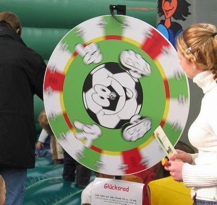 Glücksrad mieten & vermieten - Glücksrad im speziellen Fußballdesign in Münnerstadt