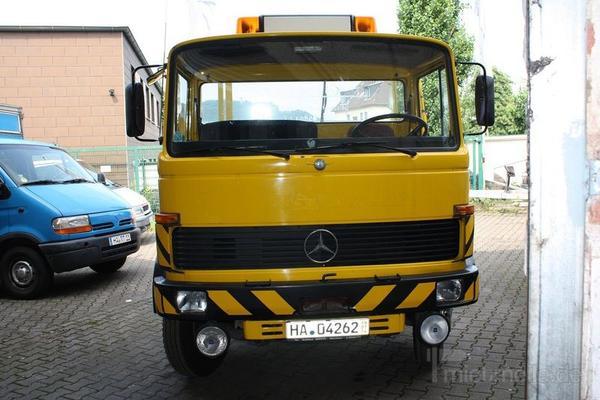 db 813 abschleppwagen mit schiebeplateau und brill mieten. Black Bedroom Furniture Sets. Home Design Ideas