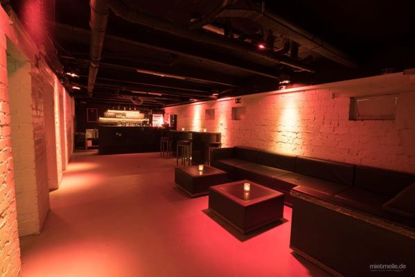 Partyräume mieten & vermieten - Clubeventlocation mit Sommergarten in Berlin Friedrichshain