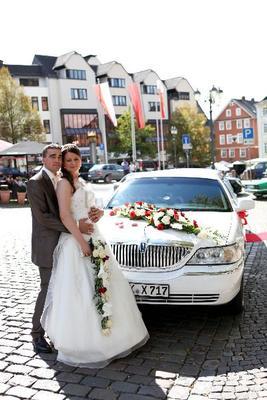 Limousinen mieten & vermieten - Hochzeitspaket in einer Stretchlimousine in Aßlar